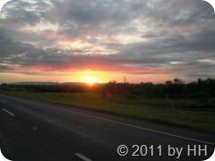 Sunrise_auf_der_Fahrt_zum_KNP